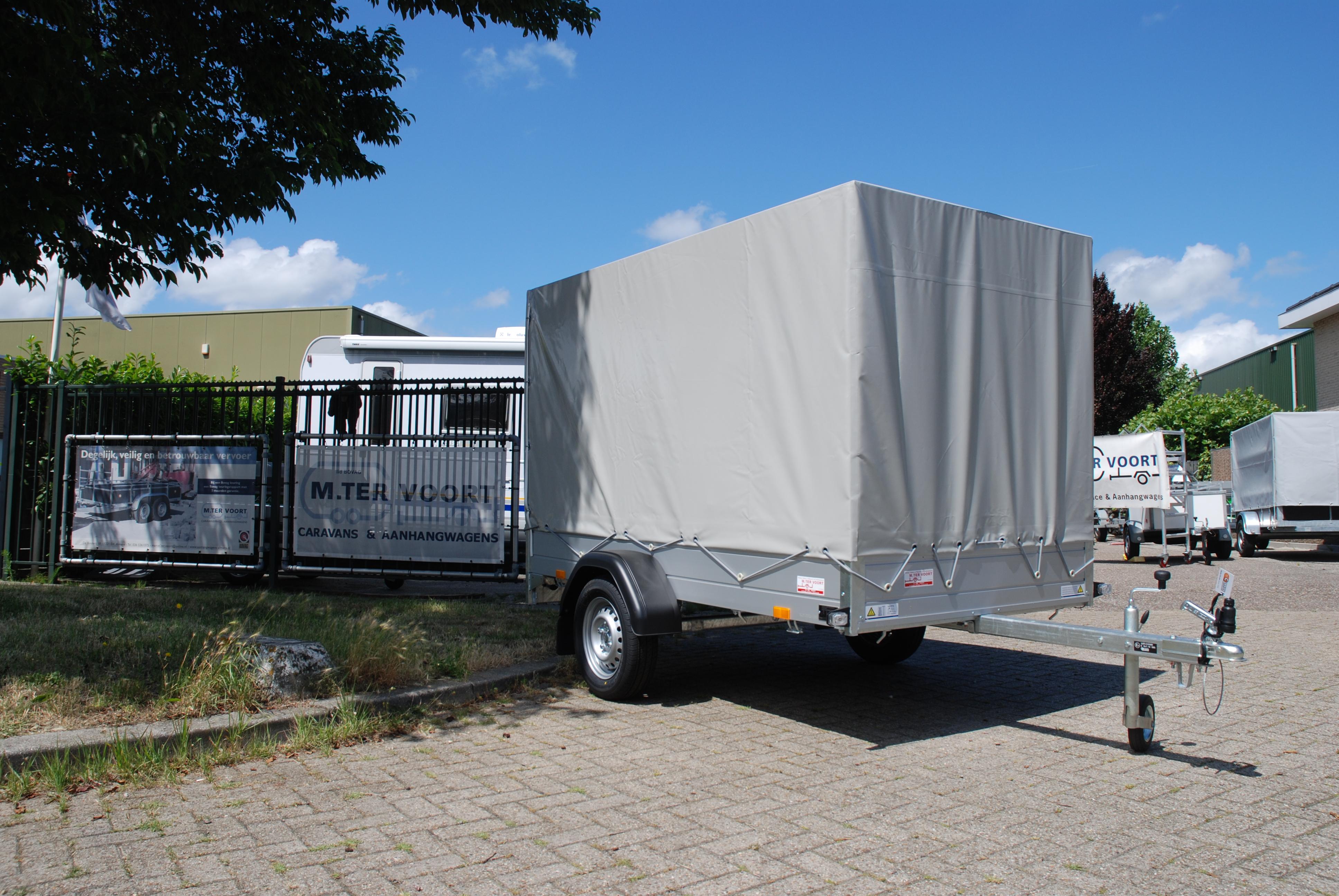 Je bekijkt nu SARIS McAlu Pro DV75 – Met Huif – Robuuste professionele aanhangwagen